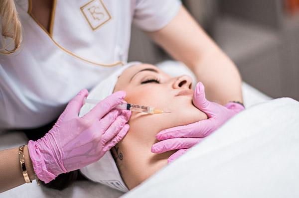 Mesotherapie – seit Jahrzehnten bewährt, wirkungsvoll und minimalinvasiv.