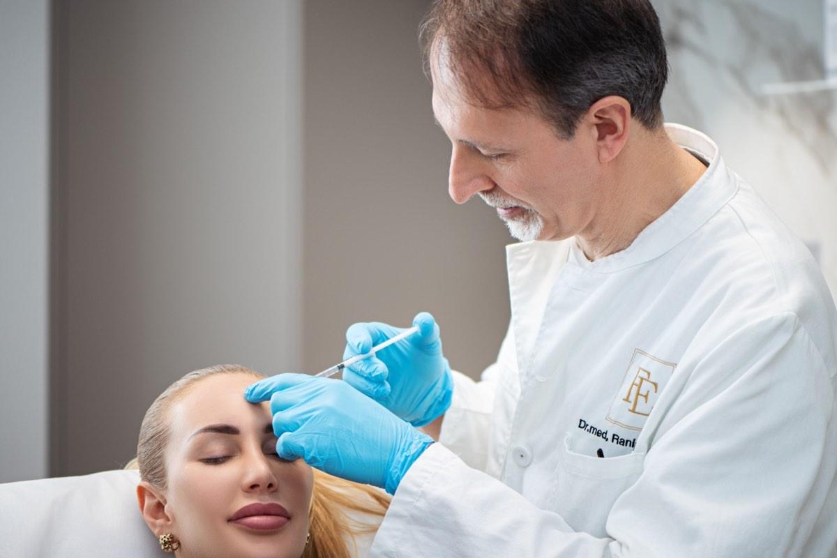 Botoy Behandlung - FineSkin - Ästhetische Chirurgie - Augenlidstraffung - Brustvergrösserung – Fettabsaugung - 3D Simulation (Beratung) - Ästhetische Dermatologie - Hyaluron - Muskelrelaxans - Fettwegspritze - Fadenlifting - PRP Vampire Lifting - TCA-Peeling - Medizinische Kosmetik (Gesicht) - Observer-Hautanalyse - HydraFacial - Mesotherapie - QuadroStar - Secret RF Microneedling - Diodenlaser MeDioStar - IS Clinical Fire & Ice - Chemische Peelings - Fruchtsäurepeeling -ICOONE Laser - Seyo TDA Beautysystem -Ultraschallbehandlung - BB Glow Microneedling - Klassiche Gesichtsbehandlung - Medizinische Kosmetik (Körper) - Kryolipolyse - ICOONE Laser Body - Secret RF Microneedling Body - Dauerhafte Haarentfernung - VIP Line Elektrotherapie Body - Methode Brigitte Kettner - iS Clinical - Aesthetico - IMAGE Skincare - Beauty Secrets
