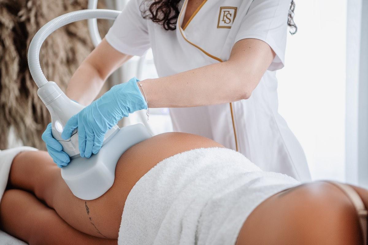 Körperbehandlung - FineSkin - Ästhetische Chirurgie - Augenlidstraffung - Brustvergrösserung – Fettabsaugung - 3D Simulation (Beratung) - Ästhetische Dermatologie - Hyaluron - Muskelrelaxans - Fettwegspritze - Fadenlifting - PRP Vampire Lifting - TCA-Peeling - Medizinische Kosmetik (Gesicht) - Observer-Hautanalyse - HydraFacial - Mesotherapie - QuadroStar - Secret RF Microneedling - Diodenlaser MeDioStar - IS Clinical Fire & Ice - Chemische Peelings - Fruchtsäurepeeling -ICOONE Laser - Seyo TDA Beautysystem -Ultraschallbehandlung - BB Glow Microneedling - Klassiche Gesichtsbehandlung - Medizinische Kosmetik (Körper) - Kryolipolyse - ICOONE Laser Body - Secret RF Microneedling Body - Dauerhafte Haarentfernung - VIP Line Elektrotherapie Body - Methode Brigitte Kettner - iS Clinical - Aesthetico - IMAGE Skincare - Beauty Secrets